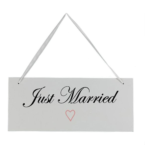 'Just Married' White Wooden Hanging Plaque