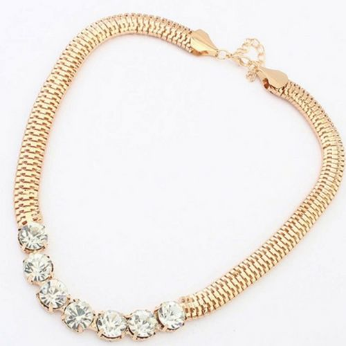 Stylish Crystal Inlay Set On A Thick Golden Chain